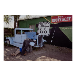 Camioneta pickup del coche de carreras de la ruta  poster