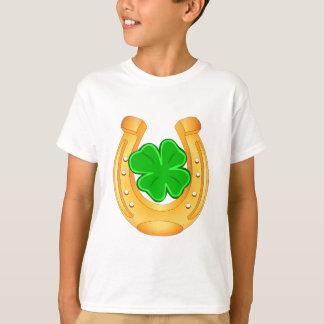 Camisa afortunada de herradura de oro del trébol