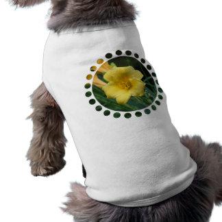 Camisa amarilla del mascota del Daylily Ropa De Mascota