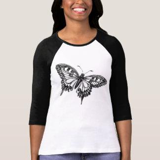 camisa ausente de la mariposa de la mosca