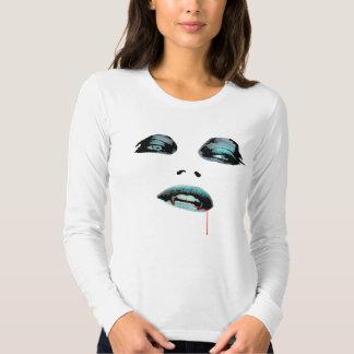 Camisa azul del empeine