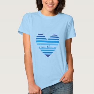 Camisa azul del mar del amor