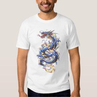 Camisa azul oriental fresca del dragón