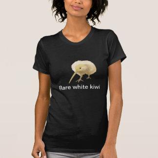 Camisa blanca del pájaro del kiwi