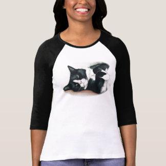 Camisa blanco y negro del arte del gato