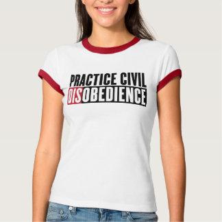 Camisa de la desobediencia civil de la práctica