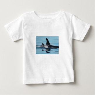 Camisa de la orca de la mamá y del bebé