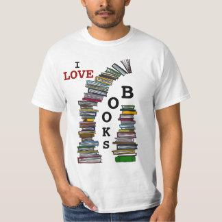 Camisa de las pilas de libro