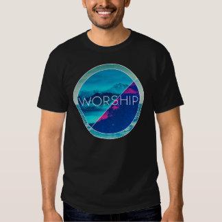 Camisa del asiduo de la adoración