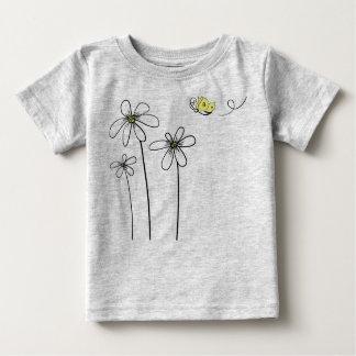 Camisa del bebé de la margarita