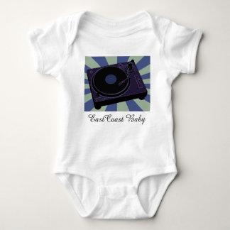 Camisa del bebé de la placa giratoria de la música