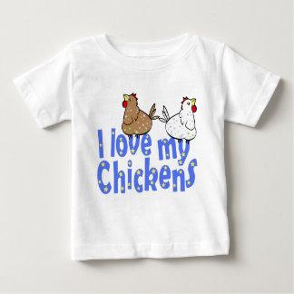 Camisa del bebé de los pollos del amor