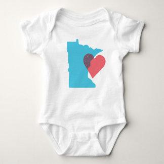 Camisa del bebé del amor del estado de Minnesota