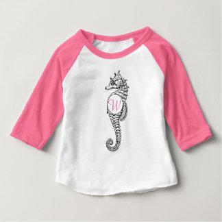 Camisa del bosquejo del Seahorse de las iniciales