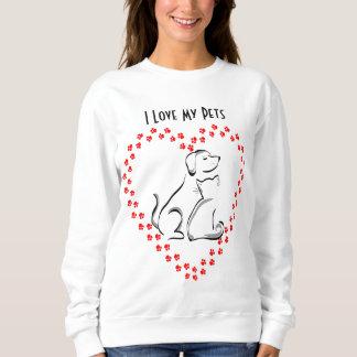 Camisa del corazón de Pawprint del perro y del