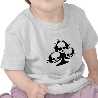 camisa del cráneo de las espadas