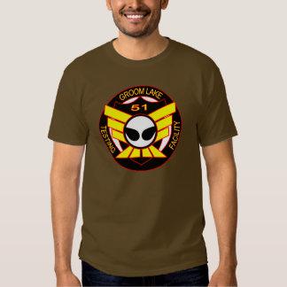 Camisa del extranjero del área 51