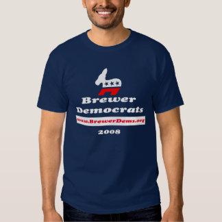 Camisa del logotipo del cervecero con la pizarra