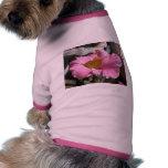 Camisa del mascota (flor rosada) camisa de perrito