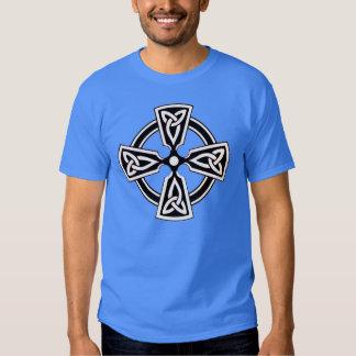 Camisa del modelo de la cruz céltica