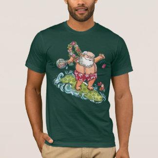 Camisa del navidad de Santa que practica surf