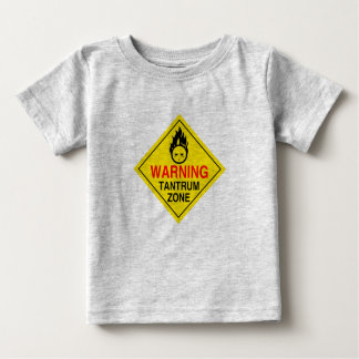 Camisa del niño de la zona de la rabieta