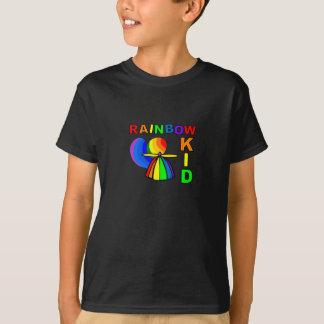 Camisa del niño del arco iris