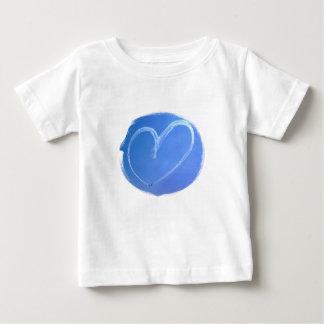 Camisa del niño del corazón del cielo