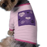 Camisa del perro del corazón y del signo de la paz camisetas de perro