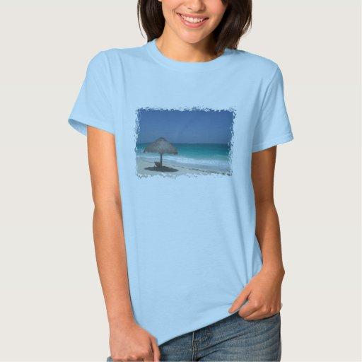 camisa del umbrealla de la playa