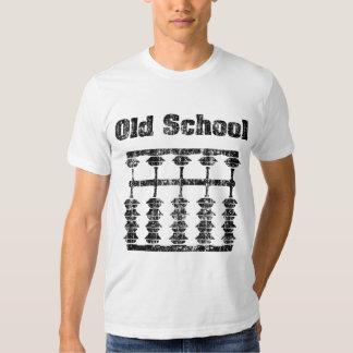 Camisa descolorada del ábaco de la escuela vieja