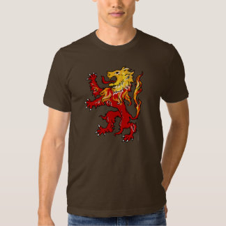 Camisa desenfrenada del león ardiente (oscura)