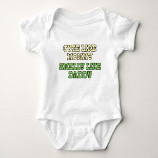 Camisa divertida del bebé: Lindo como la mamá,