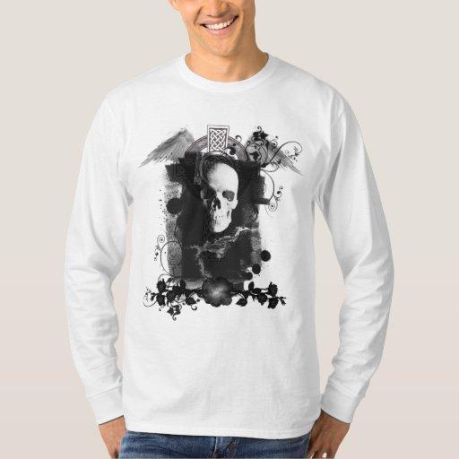 Camisa enmarcada del cráneo