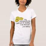 Camisa feliz divertida de las píldoras