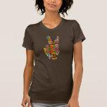 Camisa floral del signo de la paz
