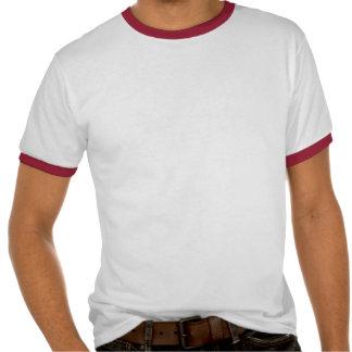 Camisa fuera de servicio feliz de la acción de