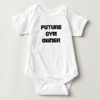 Camisa futura del bebé del dueño del gimnasio