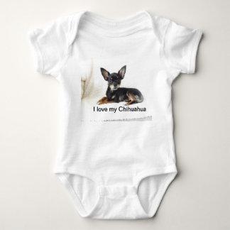 Camisa linda del bebé de la chihuahua