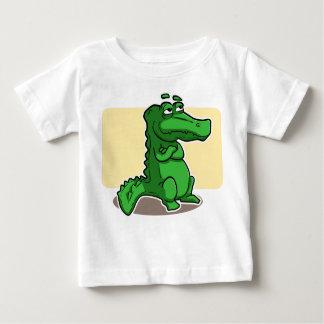 Camisa linda del niño del cocodrilo