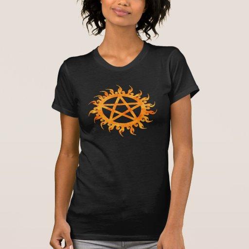 Camisa llameante del Pentagram
