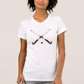 Camisa negra de los palillos de hockey hierba