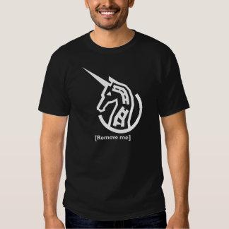 Camisa negra que conmemora del informe del