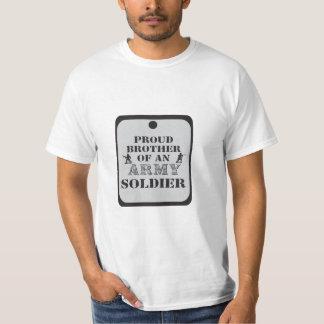 Camisa orgullosa de la placa de identificación de