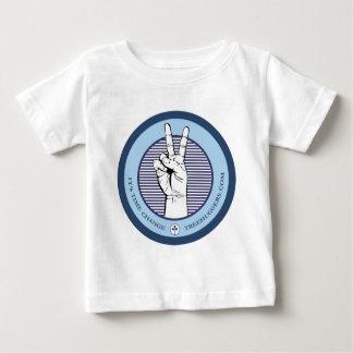 camisa oscura para mujer de la guerra de la paz