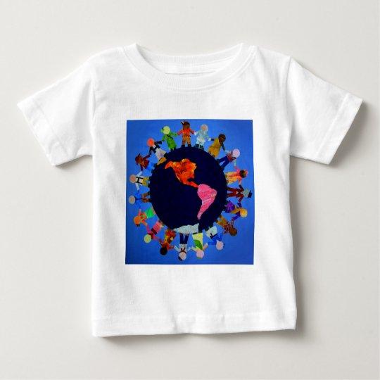 Camisa pacífica de los niños en todo el mundo