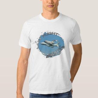 ¡Camisa pasada del vuelo del transbordador espacia Playera