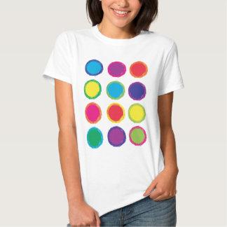 Camisa pintada de los círculos