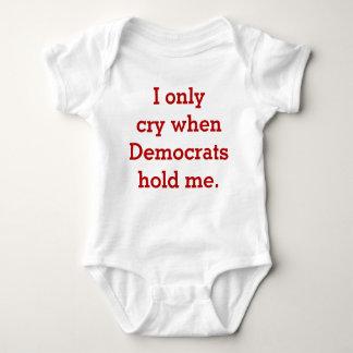 Camisa republicana o conservadora del bebé