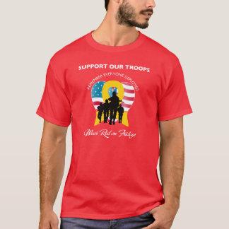 Camisa roja de viernes - recuerde cada uno